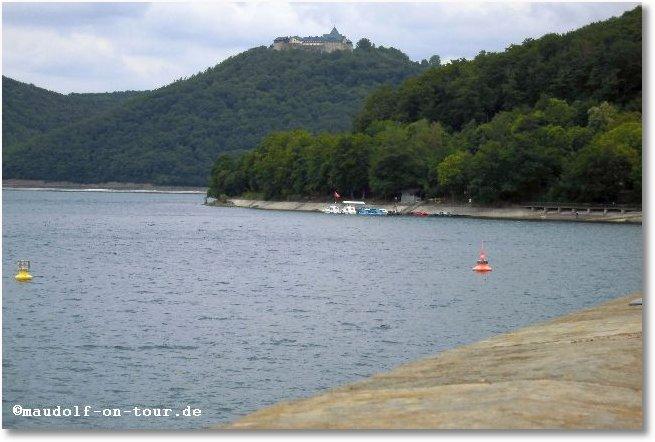 2015-06-09 Ederstausee mit Burg Waldeck 1