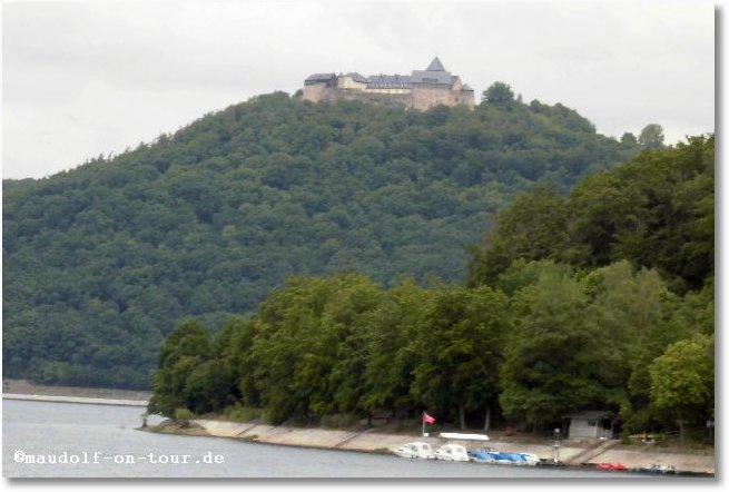 2015-06-09 Ederstausee mit Burg Waldeck 2