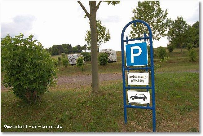 2015-06-10 Beschilderung Parkplatz