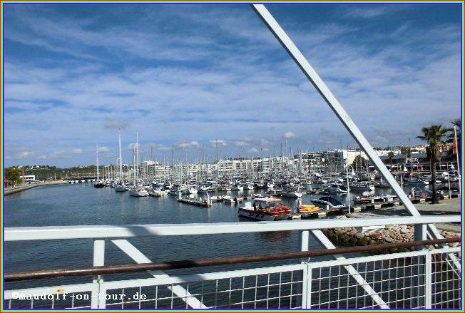 2015-10-21 Fussbrücke zur Marina de Lagos 01