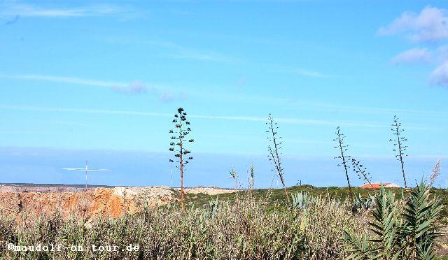 2015-10-29 Sicht vom Großparkplatz auf die 3 Antennen
