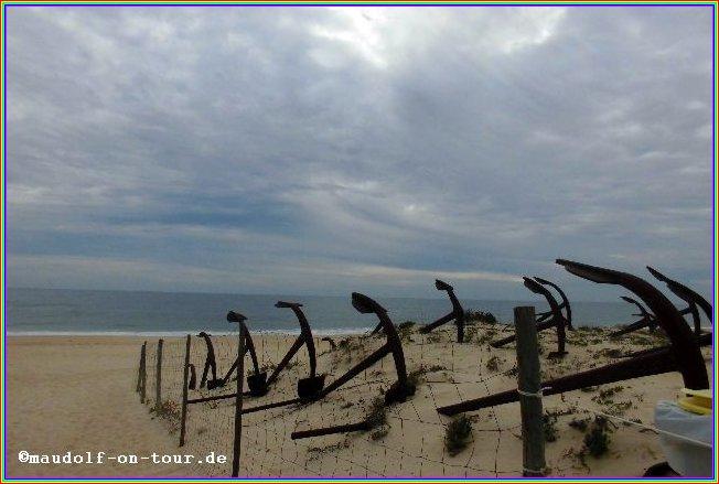 2015-12-08 Praia do Barril Anker im Sand 2
