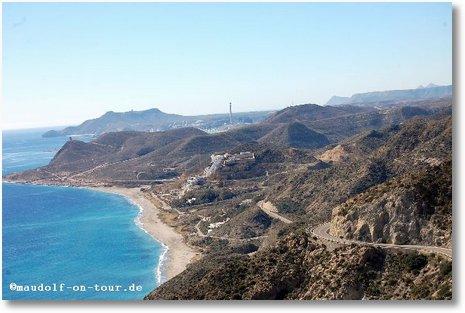 2016-03-02 Serpentinenfahrt Naturpark Cabo de Gata Blick auf Hotel Illegal 1