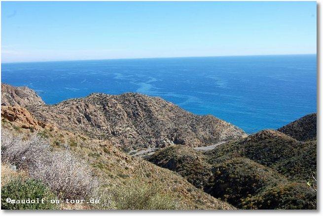2016-03-02 Serpentinenfahrt Naturpark Cabo de Gata Blick auf Mittelmeer 1