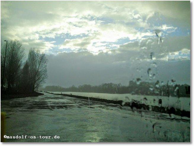 2016-03-28 Regen Wolken verziehen