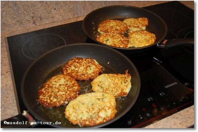 2016-0501 Zucchini-Puffer mit Tzatziki 06