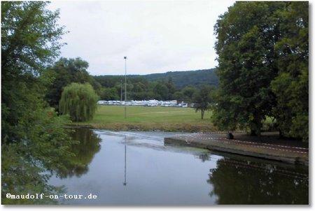 2016-08-20 Blick über Wera zum Stellplatz