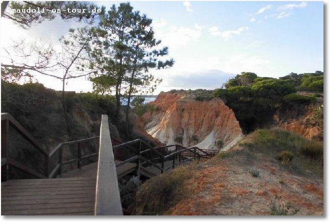 2016-11-24 Stellplatz Falesia Treppen zur Praia da Falesia 1