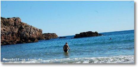 2017-01-16 Praia da Ingrina Paul im Meer 2