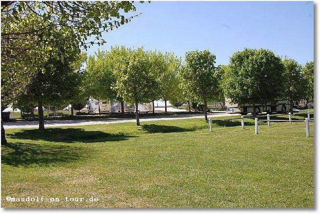 2017-04-22 Lignieres Sonneville Stellplatz 1
