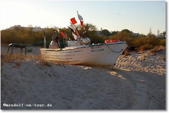 2017-10-29 Strand Fischerboot