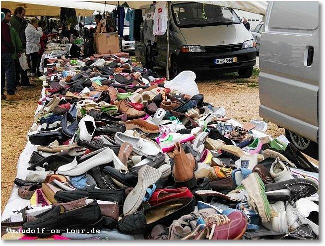 2018-03-03 Markt Lagos 2 Schuhe
