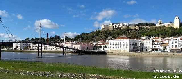 2018-11-12 Fussgaenerbruecke Alcacer do Sal