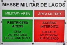 2018-12-28 Schild Messe Militar de Lagos