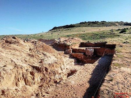 2019-04-12 Ausgrabungen Praia da Roca 2